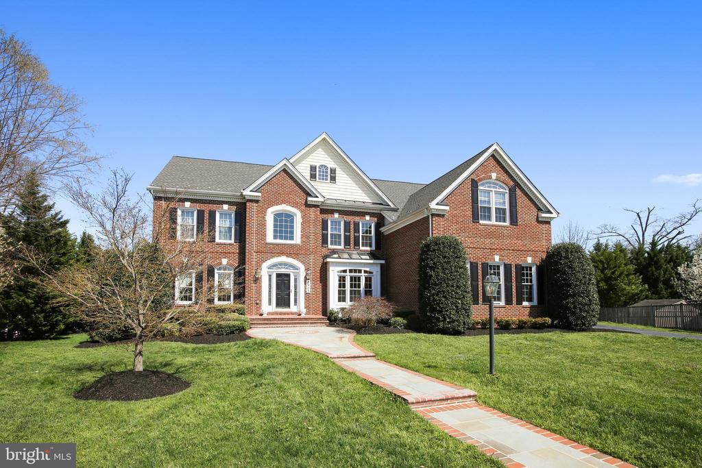 Photo of 8903 Grist Mill Woods Ct