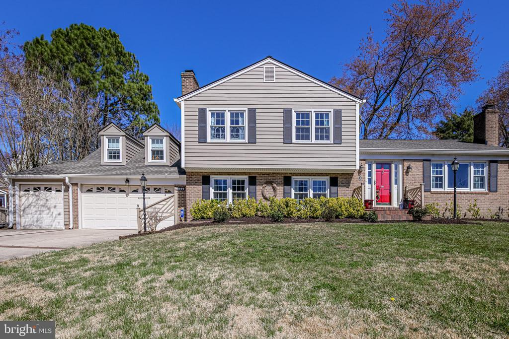 8605 Cotswold Ct