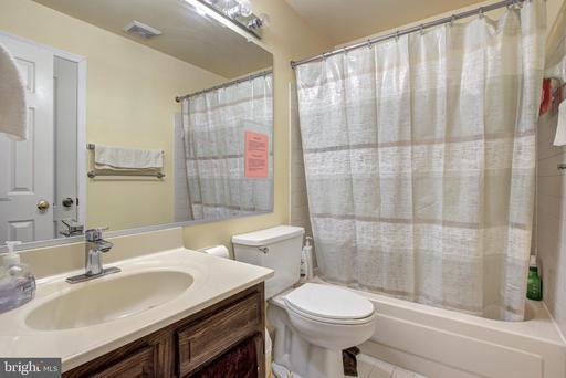 4522 Burke Station Rd Fairfax VA 22032