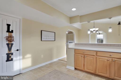 245 Rolling View Ln, Front Royal 22630
