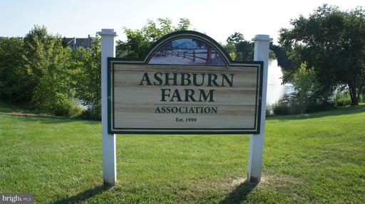 20986 Tobacco Sq Ashburn VA 20147