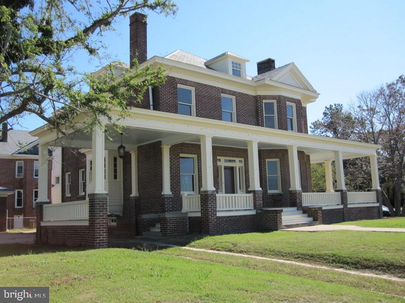 204 Bay Ave, Cape Charles, VA, 23310