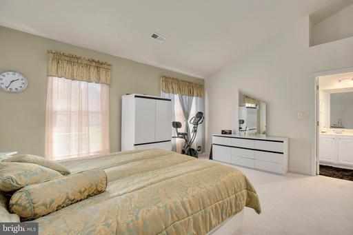 6403 Knapsack Ln Centreville VA 20121