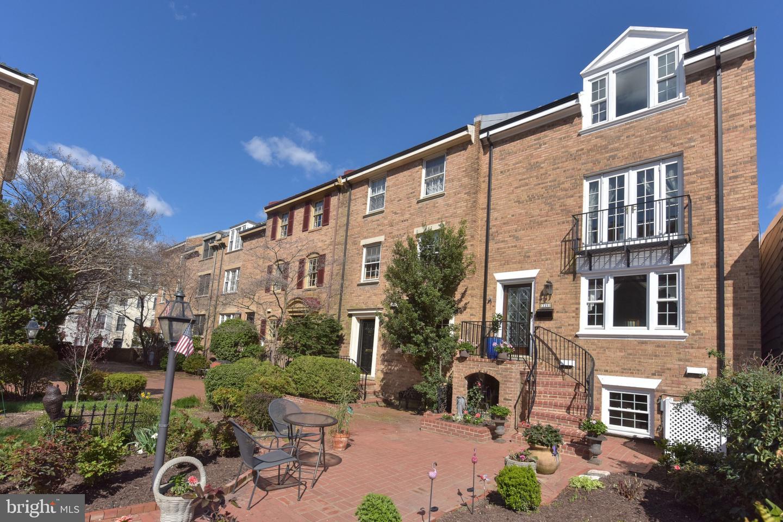 320 Royal Street   - Alexandria, Virginia 22314