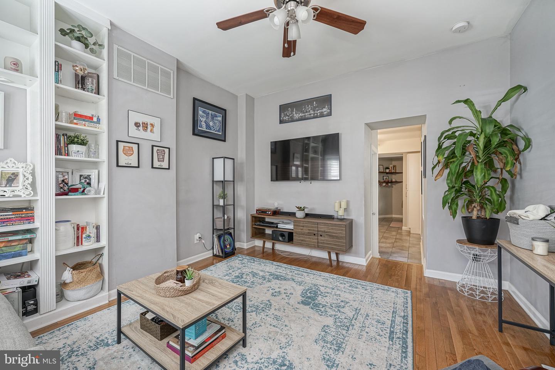 1445 E Oxford Street Philadelphia, PA 19125