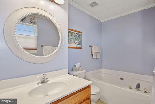 111 Orchid Ct, Winchester 22602