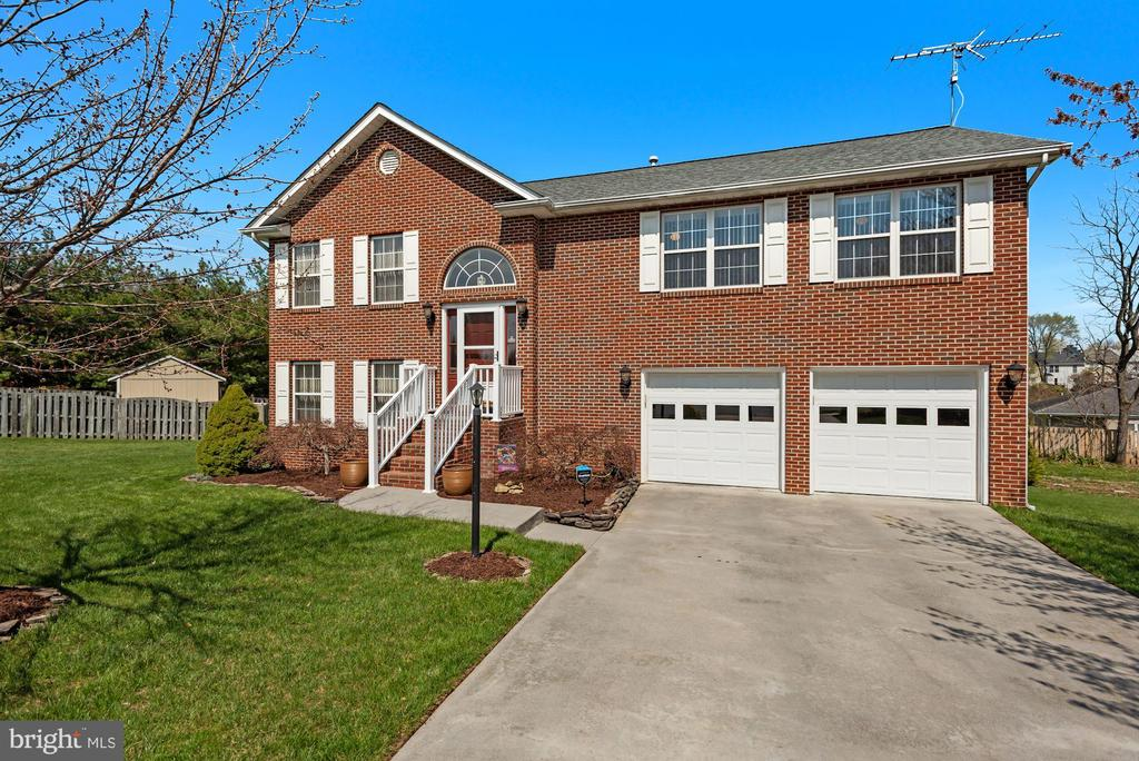 111 Orchid Ct