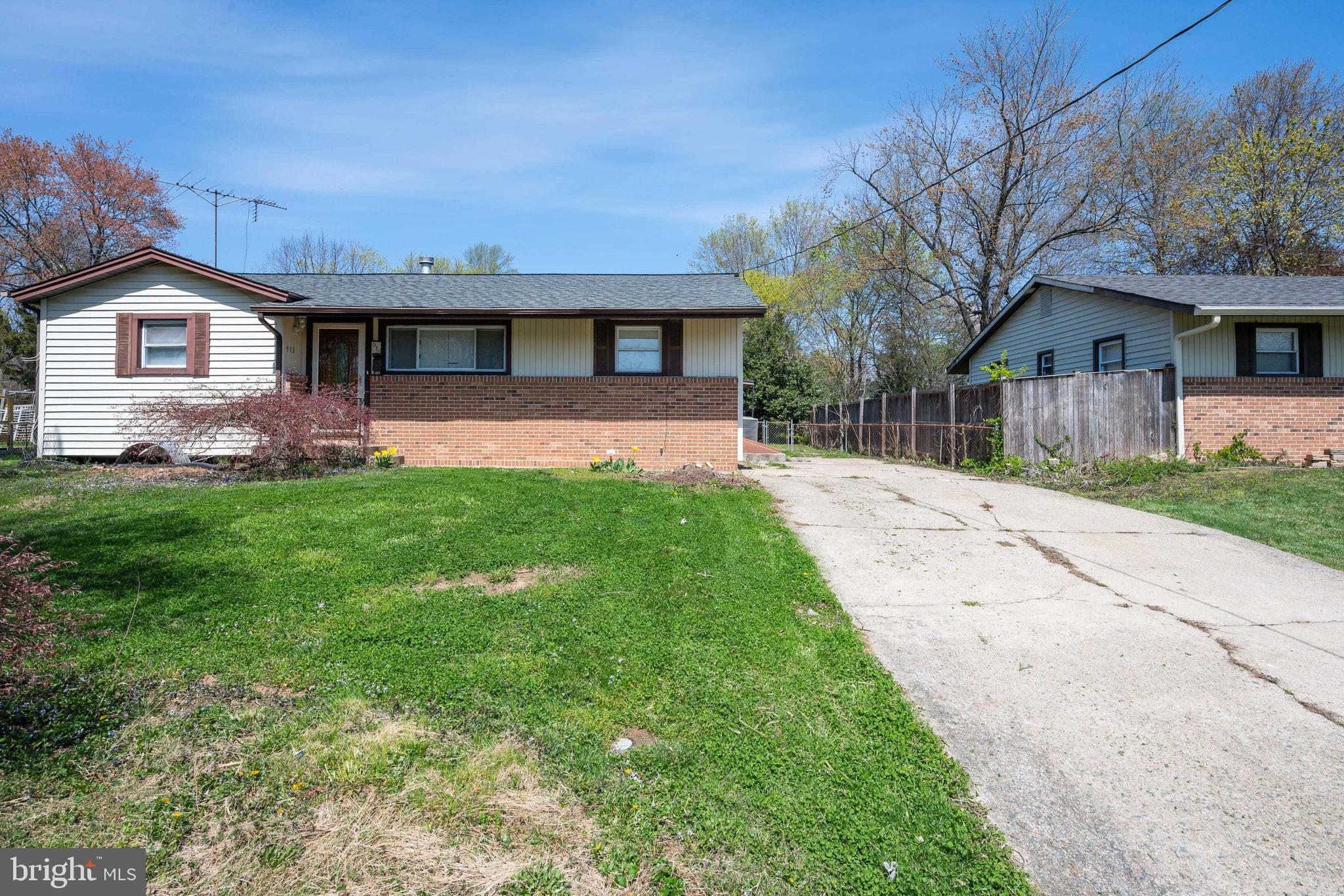 912 Regency Rd, Woodbridge, VA, 22191