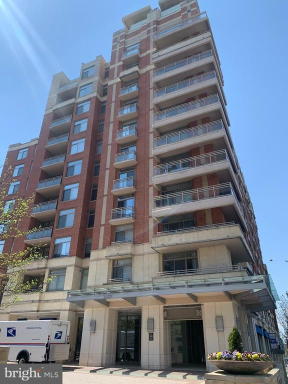 Photo of 3600 S Glebe Rd #426w