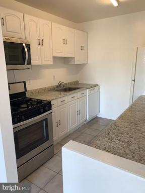 5250 Valley Forge Dr #306, Alexandria 22304
