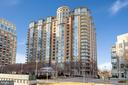 8220 Crestwood Heights Dr #304
