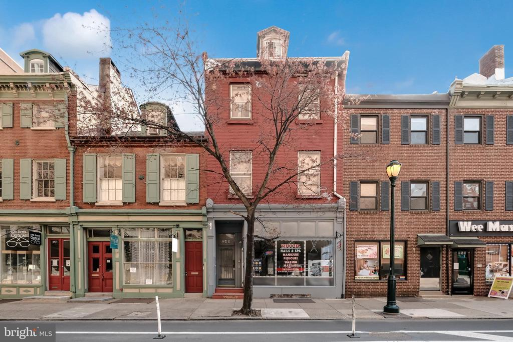 Washington SQUARE investment opportunity!  This money making parcel, consists of a strong retail tenant, on the first floor,  and 4 self contained  renovated apartments above.  5% cap investment,  call for rent roll.
