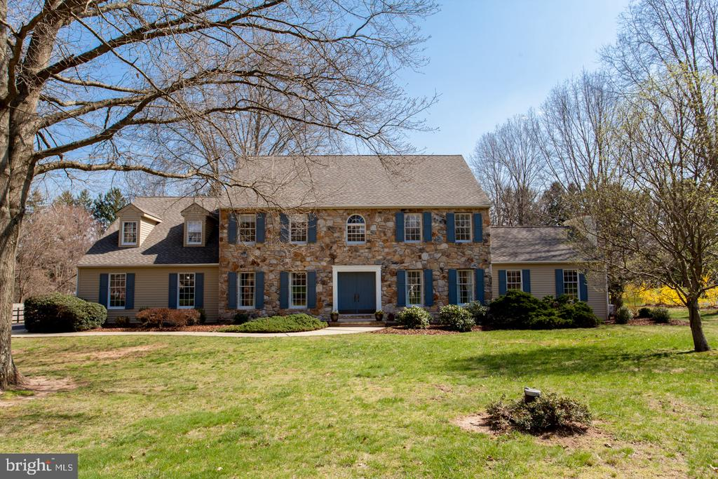 121 WATERCREST DR, Doylestown PA 18901