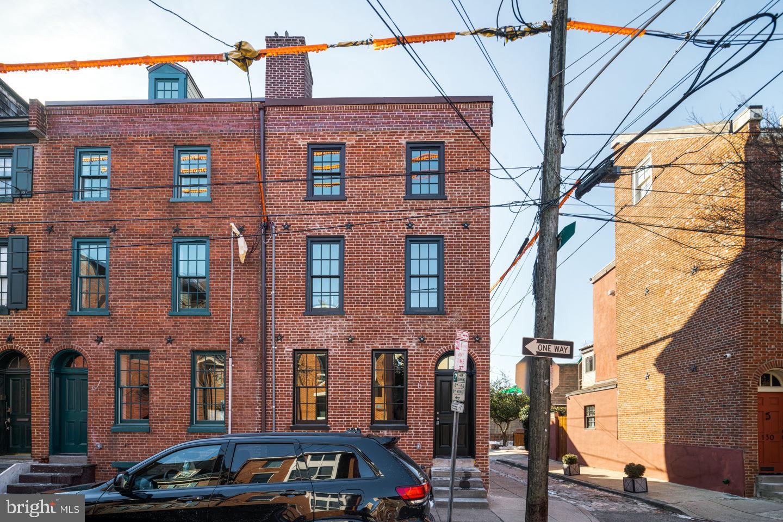 128 Queen Street Philadelphia, PA 19147