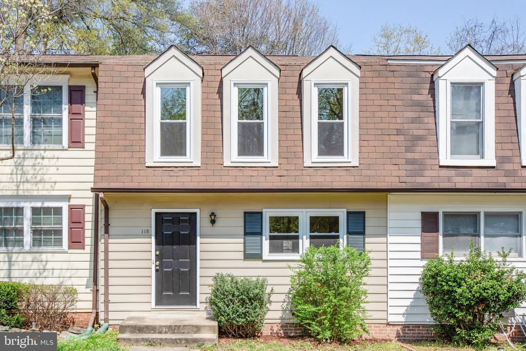 Great 2 bedroom, 1.5 bathroom townhouse in the City of Fredericksburg. Just a couple minutes drive from downtown and ideally located on Route 1 with quick access to Route 3, I-95 and VRE. Kitchen was updated in 2018 with new cabinetry and granite counters. This townhouse has a washer and dryer hookup on the main level. This unit is bright and full of natural sunlight. It has two dedicated parking spots. A must see!