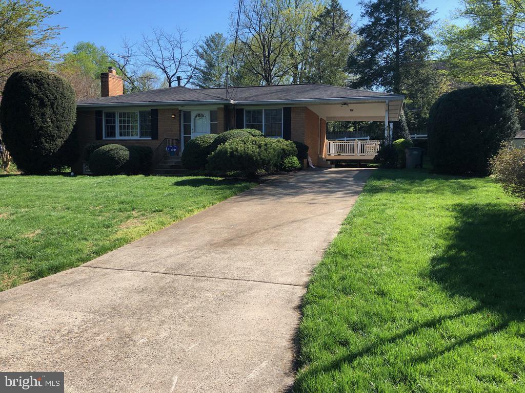 1431 Fern Oak Ct, McLean, VA 22101