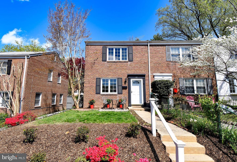 60 Rosemont Avenue   - Alexandria, Virginia 22301