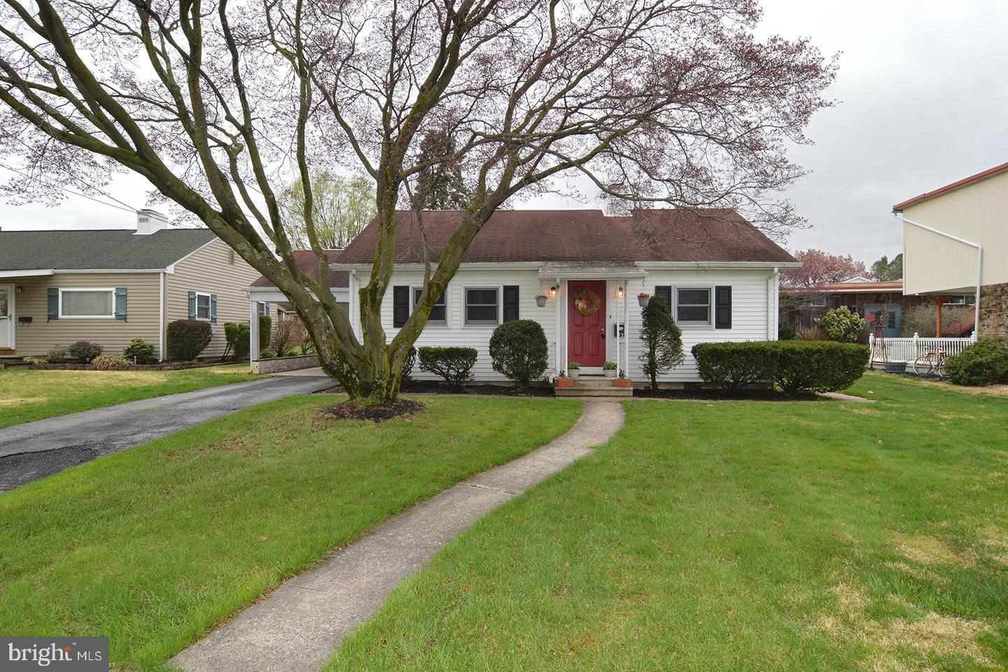 24 Lincoln Drive Wernersville, PA 19565