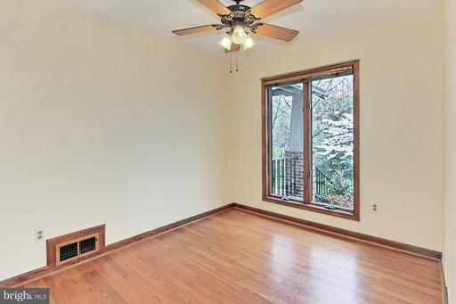 8532 Forest St Annandale VA 22003
