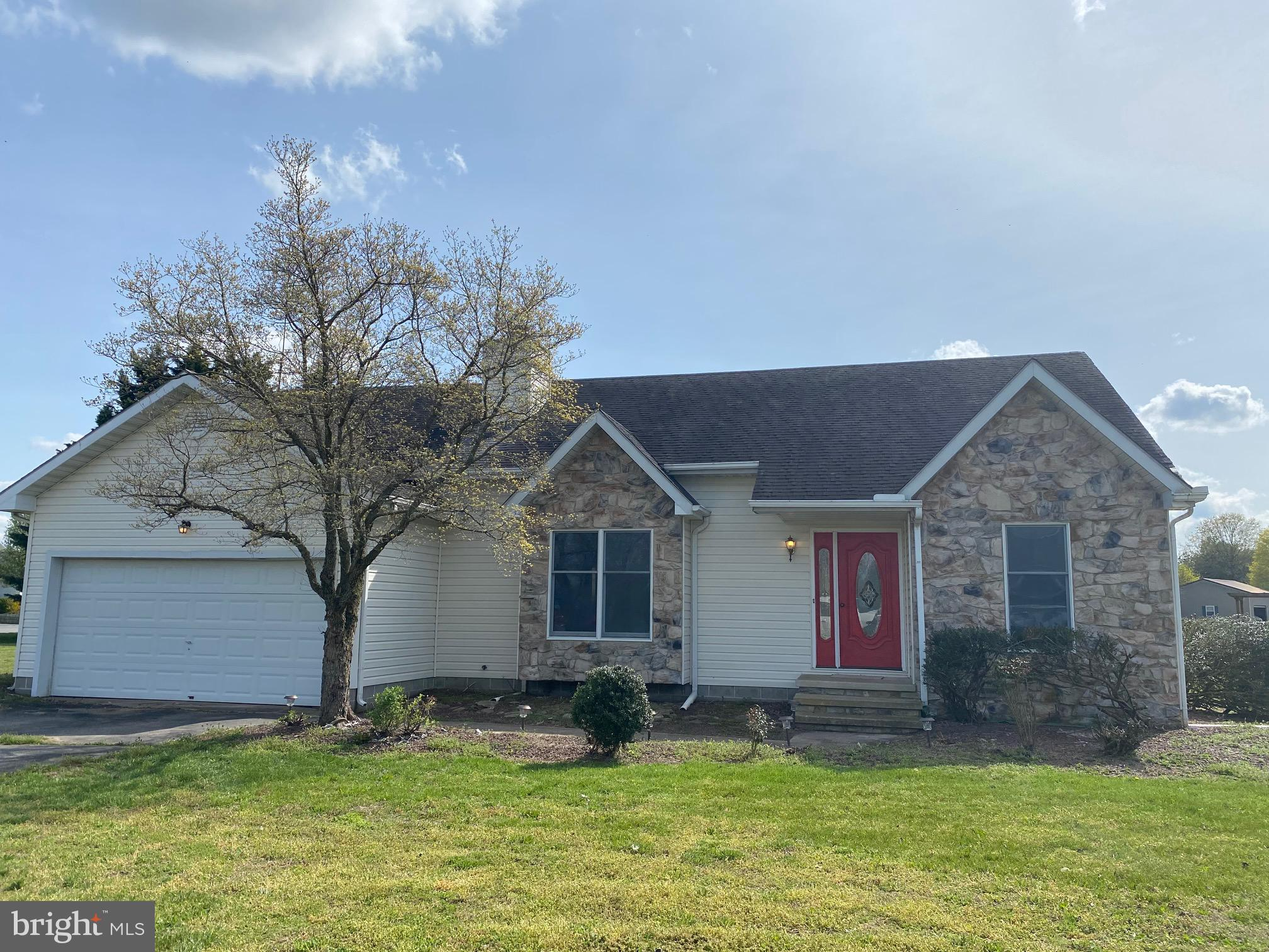 Remodeled & in like new condition! Nice 3 bedroom 2 bath contemporary rancher with split open floor plan! Fresh paint, appliances, flooring, & much more! Located on a corner lot in a quiet rural neighborhood! Large open dining room & den with refinished rear deck! Must See!