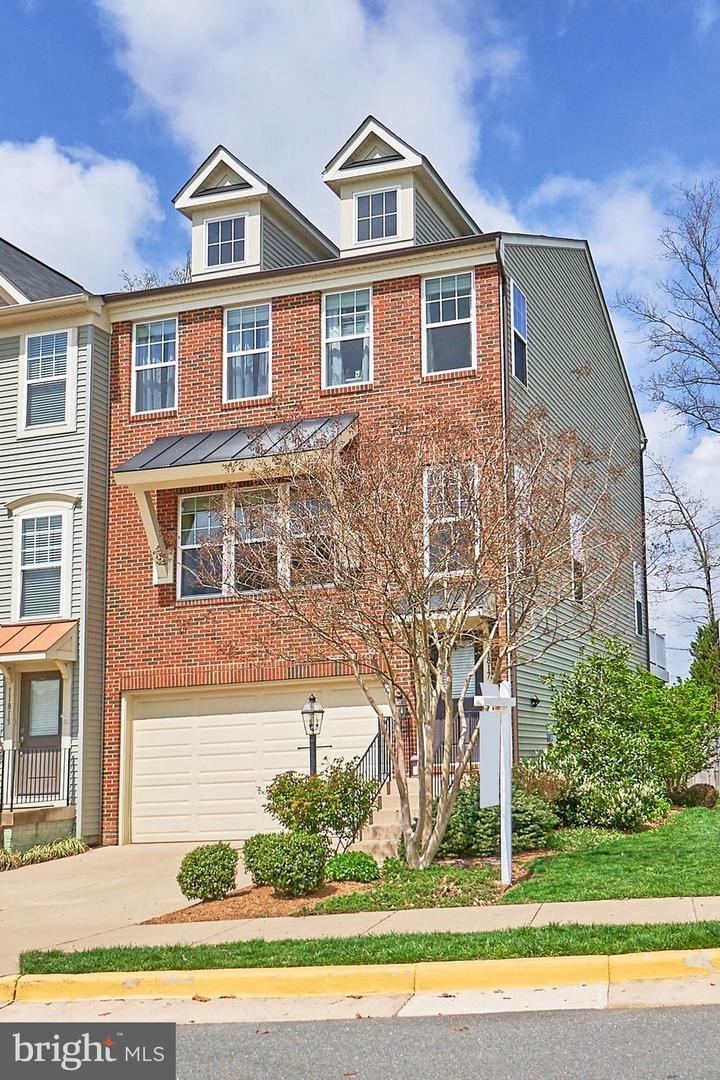 Photo of 11817 LAKE BALDWIN DR, BRISTOW, VA 20136
