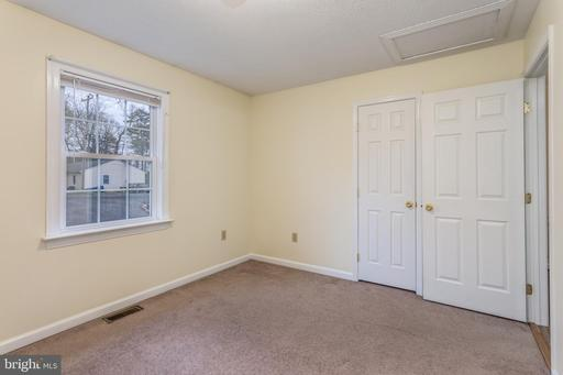 703 Hickory Trl, Winchester 22602