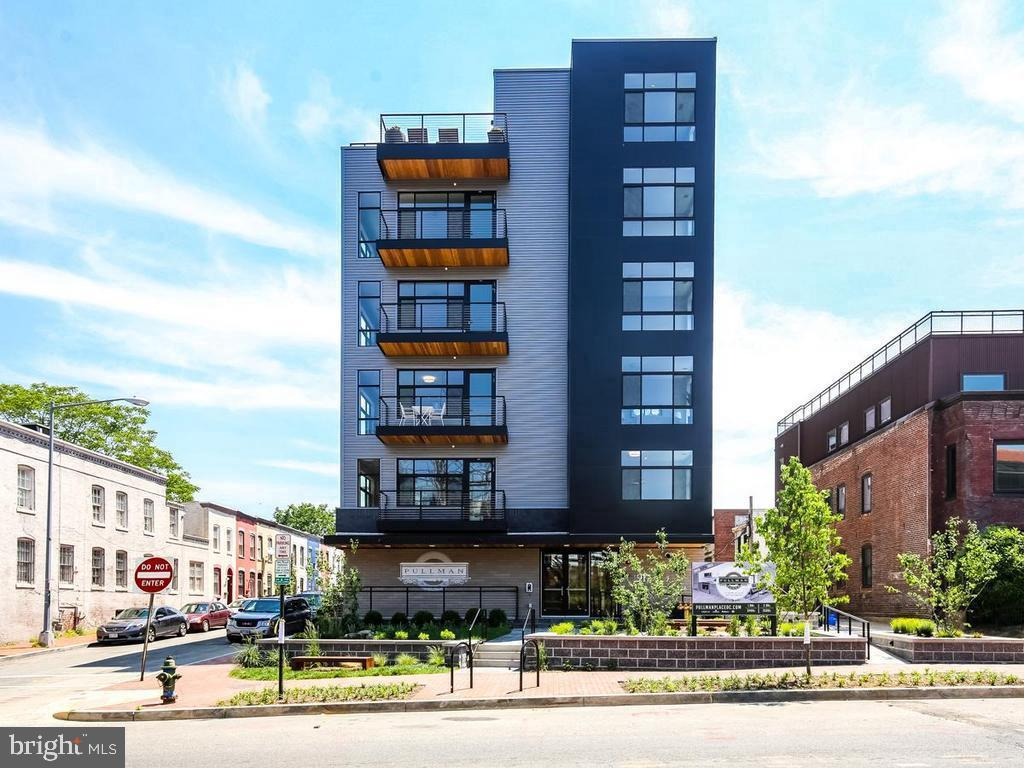 Spacious 1 bed with an office nook in a 2017-built condo building in the neighborhood of NoMa. Centrally located between the H Street Corridor & the booming Union Market. Walking distance to both Union Station and NoMa metro & four grocery stores.  The building offers fitness center, rooftop and dry clean drop off/pick up lockers with $300 condo fee per month.   The unit is with 9' ceiling, floor-ceiling south-facing windows. Tons of natural lights all day long. The high-end European style finishes & design provides plenty of storage in the kitchen and bathroom. It also comes with two 52'' Monte Carlol Carity Matte White Hugger LED Ceiling Fan, The Shade Store shades as well as two TV mounts. The unit also includes two basement bike storage spaces and one upper leval storage.