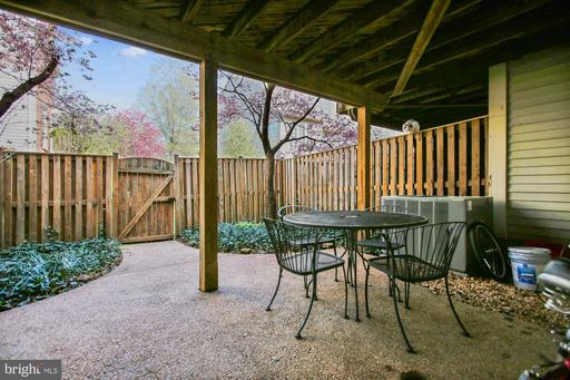 14754 Flower Hill Dr Centreville VA 20120