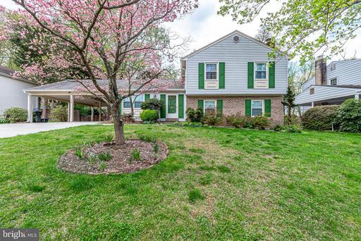4337 Farm House Ln Fairfax VA 22032