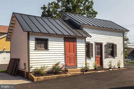 20857 Ashburn Rd Ashburn VA 20147