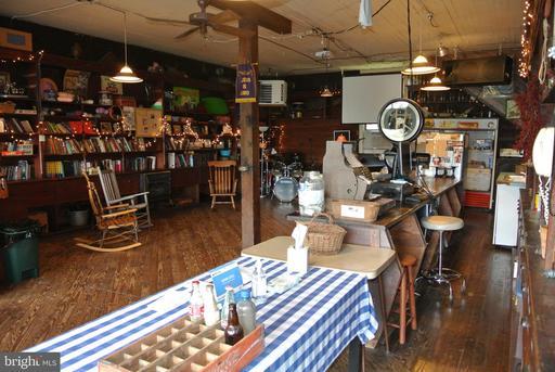 105 Viewtown Rd Amissville VA 20106
