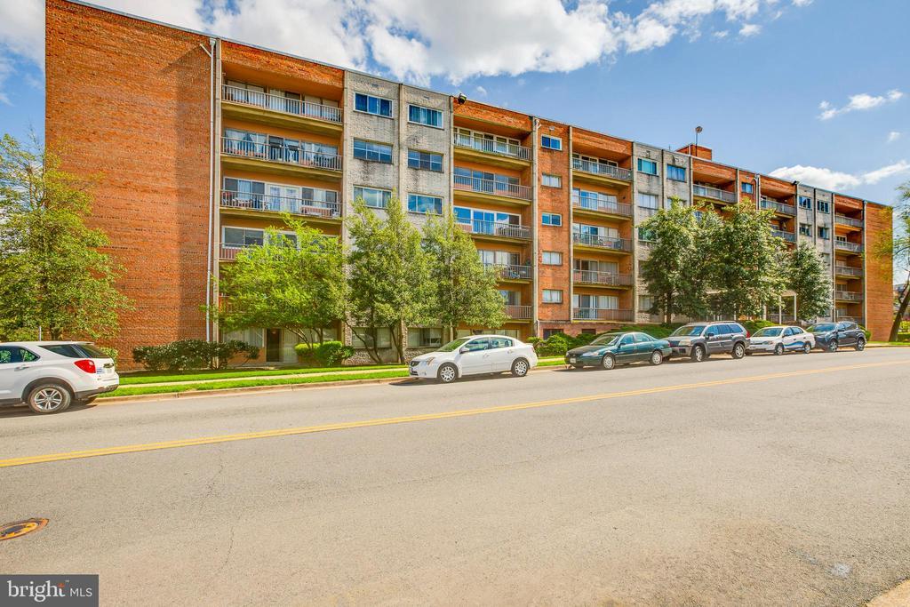 Photo of 401 N Armistead St #402