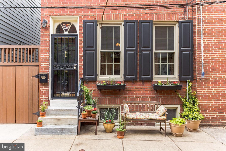 305 Pemberton Street Philadelphia, PA 19147