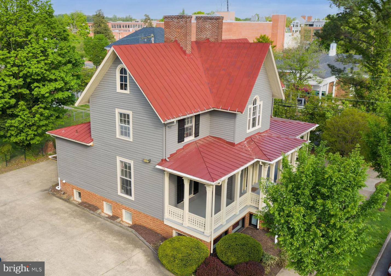 Fredericksburg                                                                      , VA - $950,000