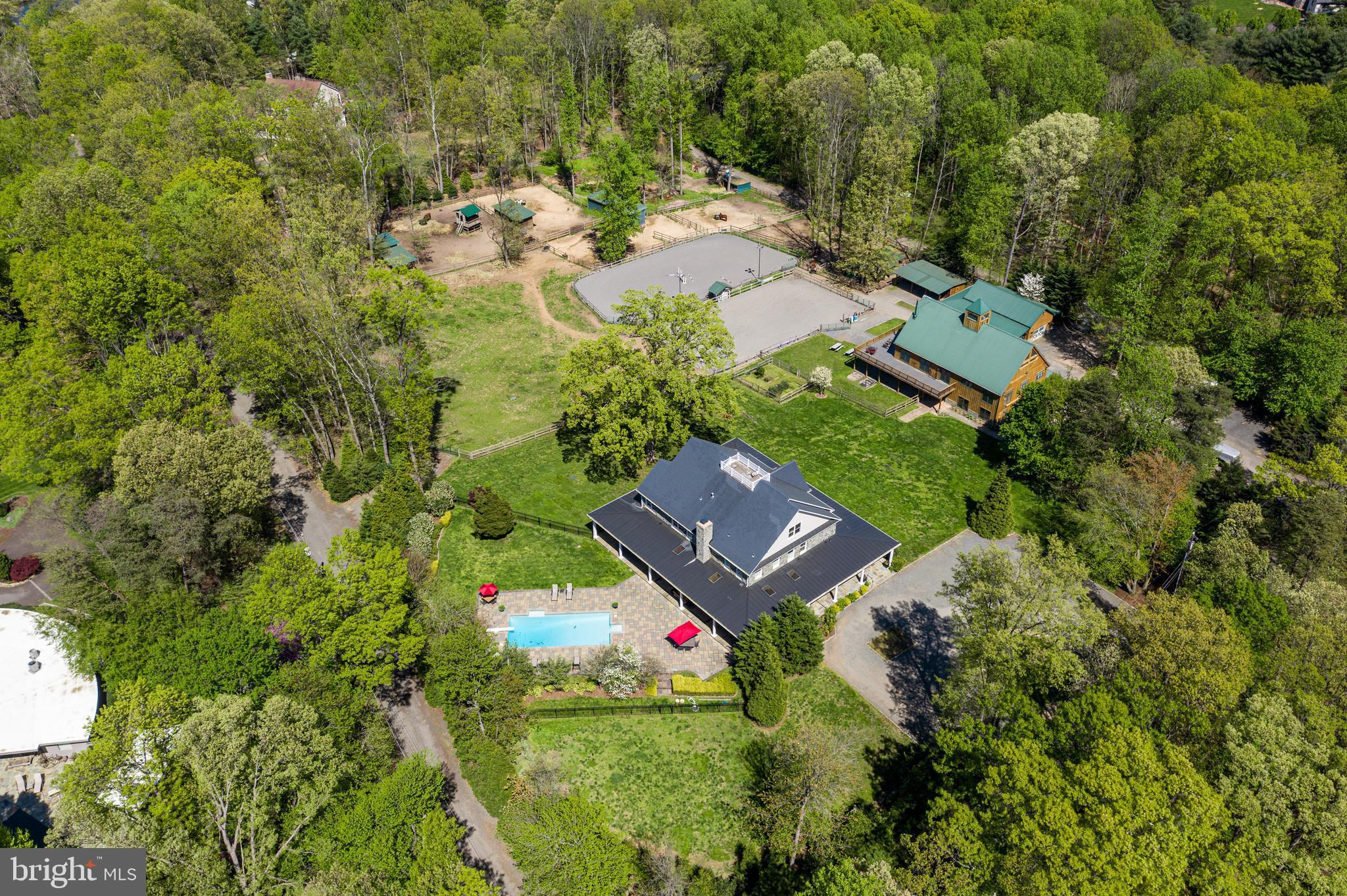 815 Blacks Hill Road, Great Falls, VA 22066