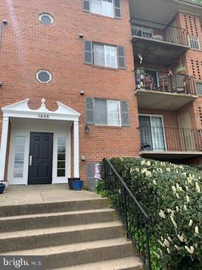 1543 Colonial Dr #204