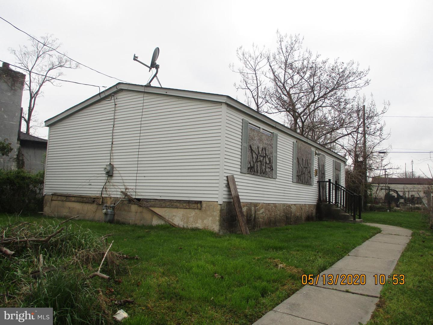 718 W 3rd Street Chester, PA 19013