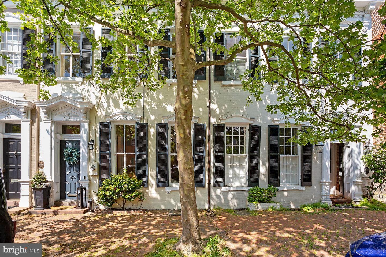 204 Royal Street   - Alexandria, Virginia 22314