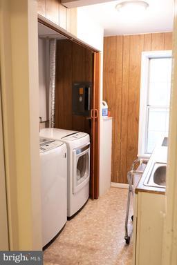 14865 Lynhodge Ct Centreville VA 20120