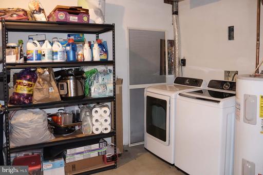 14108 Betsy Ross Ln Centreville VA 20121