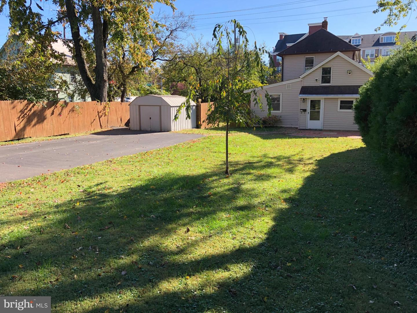 818 Veirs Mill Road   - Rockville, Maryland 20851