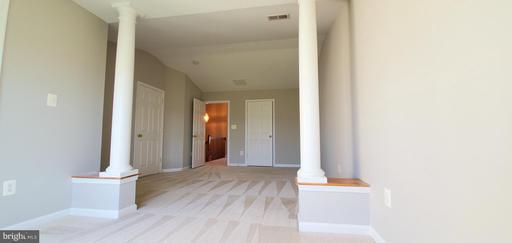 5212 Prairie Willow Ln Centreville VA 20120