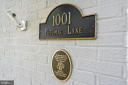 1001 Potomac Ln Alexandria VA 22308