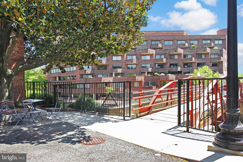 1015 33rd Street NW #809 - Washington, District Of Columbia 20007