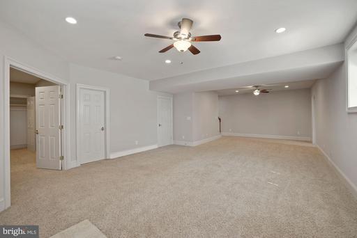 6304 Hunt Chase Ct Centreville VA 20120
