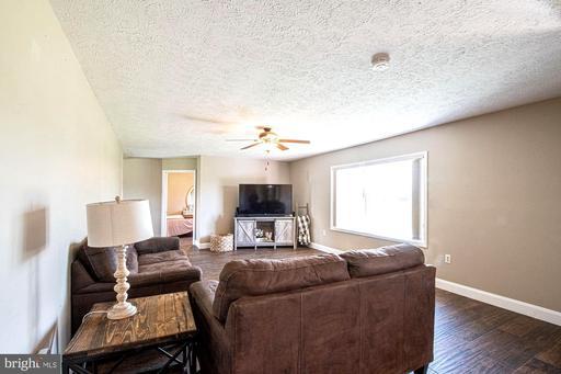 3237 Farmview Rd, Luray 22835