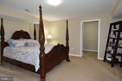 5301 Poplar Valley Ct Centreville VA 20120