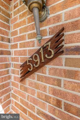 5913 High Meadow Rd Alexandria VA 22310