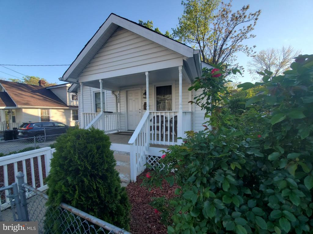 Excellent opportunity minutes from Washington DC and major commuter routes.   Move-in Ready 3 bedrooms 2 full bath.  Ample basement.  Be ready to entertain.