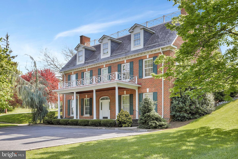 Martinsburg                                                                      , WV - $649,900